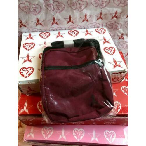 Jeffree Star mystery box exclusive side bag bordeaux tas